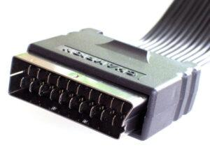 conectati intotdeauna aparatele prin scart si sctivati RGB